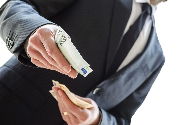 Milloin osakeyhtiön varojen nosto on palkkaa?
