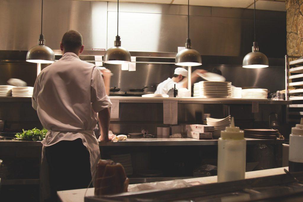 OP-Pohjola-keskeytysvakuutus-ravintola-korona-korvaus